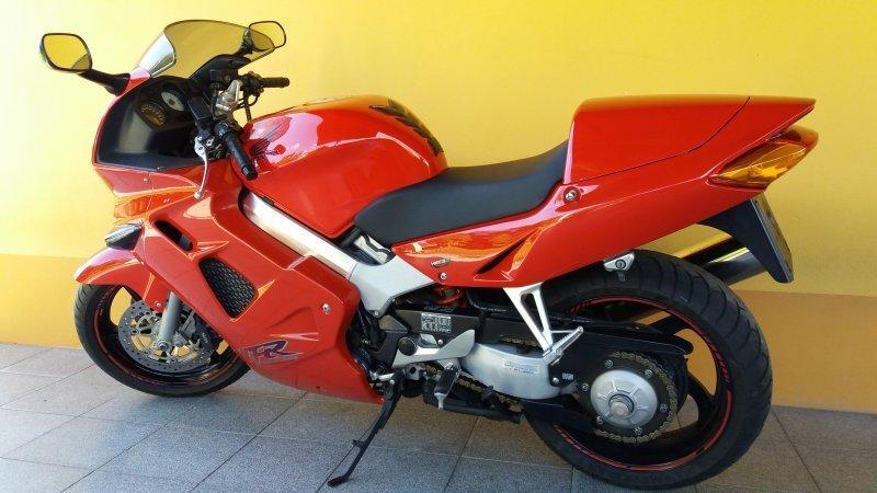 Honda VFR 800 bazar