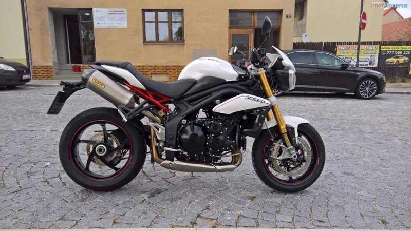 Triumph Speed Triple R bazar