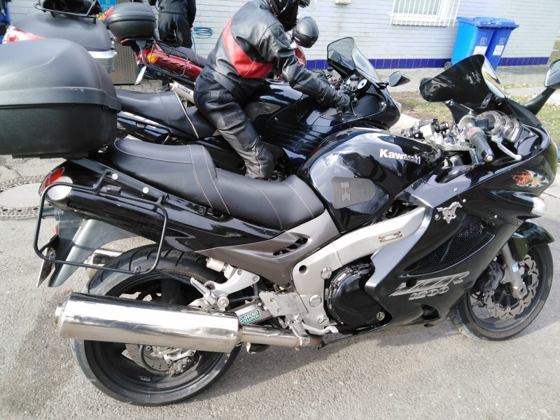 Kawasaki ZZR 1200 bazar