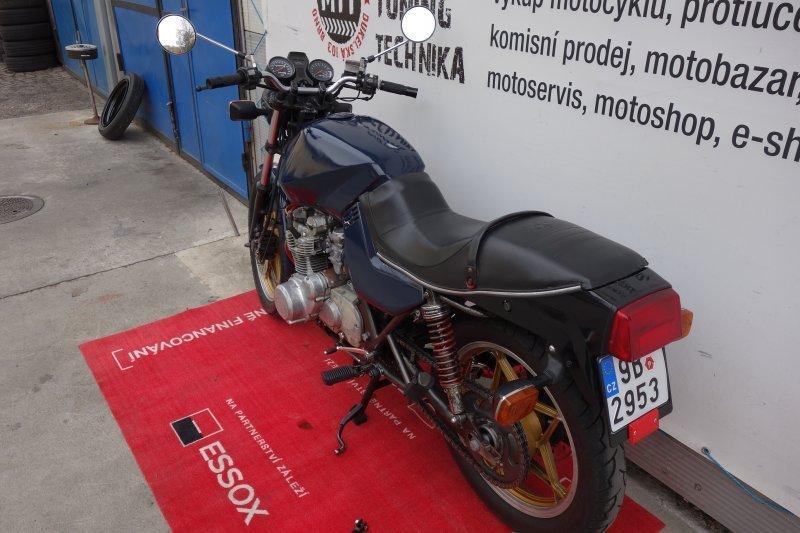 Suzuki GS 550 M Katana bazar