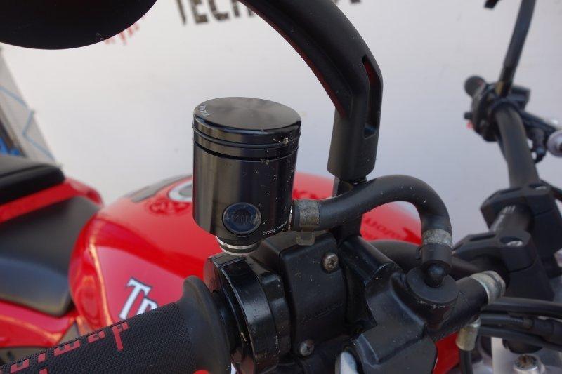 Triumph Speed Triple bazar