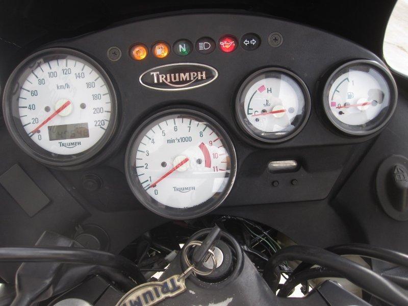 Triumph Tiger 900/885i bazar