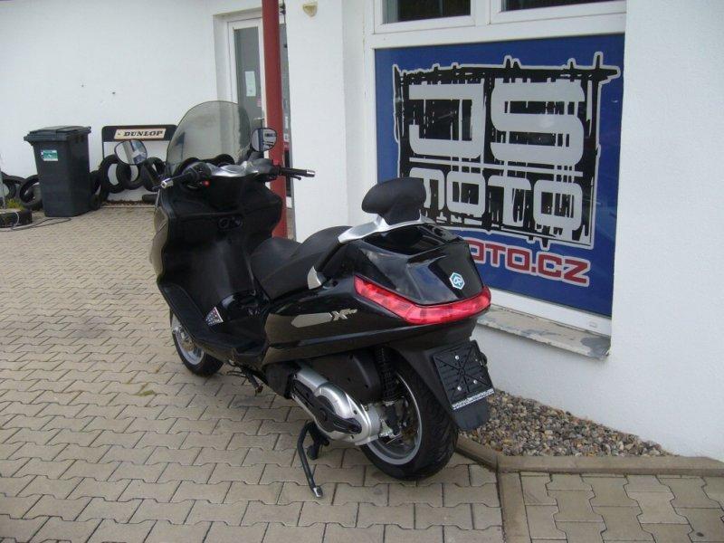Piaggio X-Evo 400 bazar