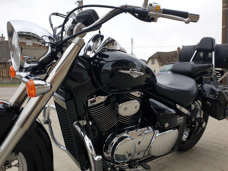 Suzuki Intruder C 800 bazar