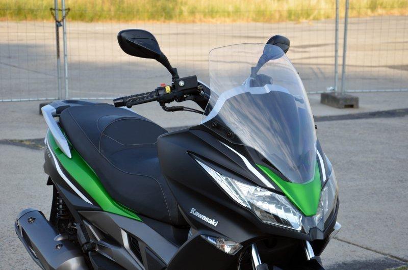 Kawasaki J 300 bazar