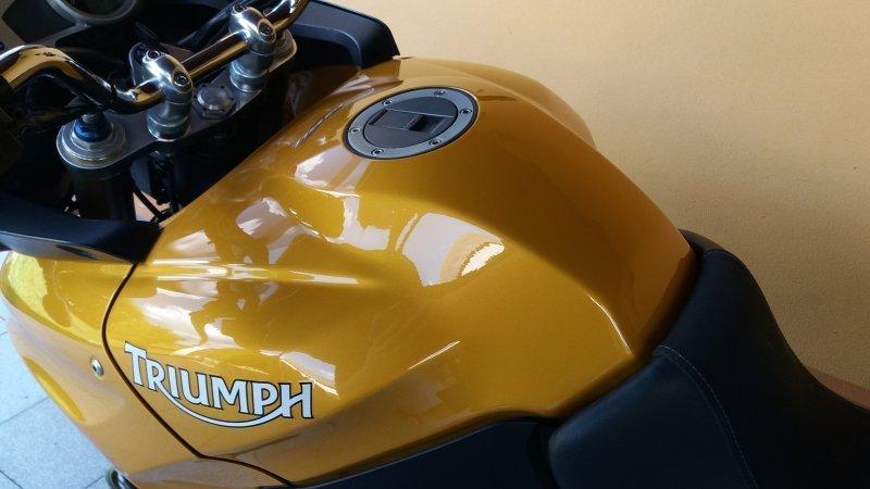 Triumph Tiger 1050 bazar